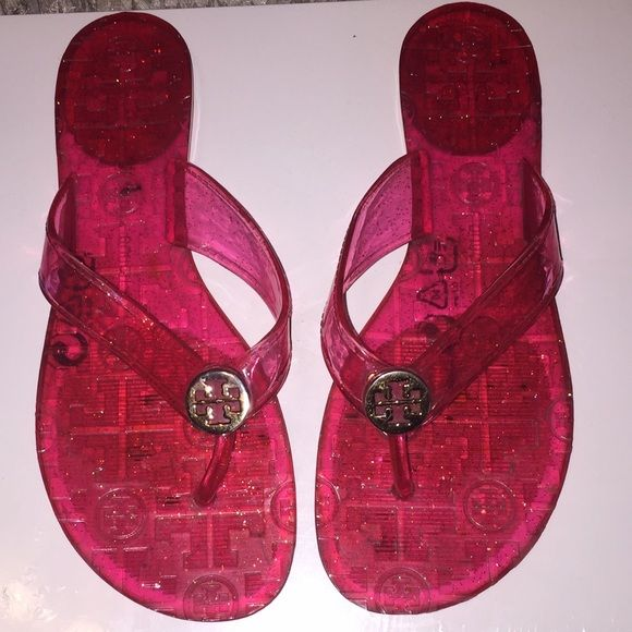 757419f2c Tory burch thora jelly sandals Gently used Tory burch sandals in hot pink  Tory Burch Shoes Sandals