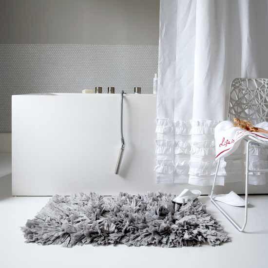 Fluffy Grey Bathmat Grey Bathroom Rugs Grey Bathrooms Gray Shower Curtains