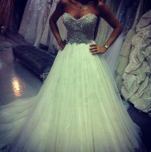 Kleid hochzeit-Bild von MarBear90 auf Gowns | Ballkleid ...