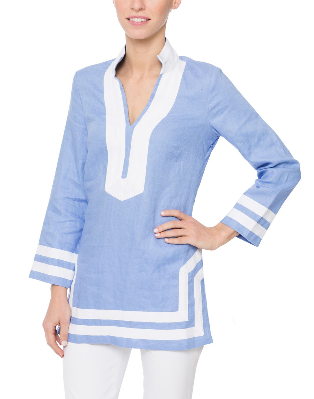 Sail to Sable created a special edition of their famous tunic especially for Halsbrook. The perfect pairing of hydrangea linen with white twill tape, this 100% linen tunic is your go-to classic staple piece for the resort season and beyond. Pair it with a pair of crisp white jeans and gold jewelry for the ultimate warm weather look. This timeless style is also a great gifting option for the holiday season.