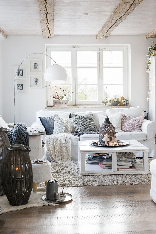 Hygge Home mit Laternen und Kerzen #decorationequipment