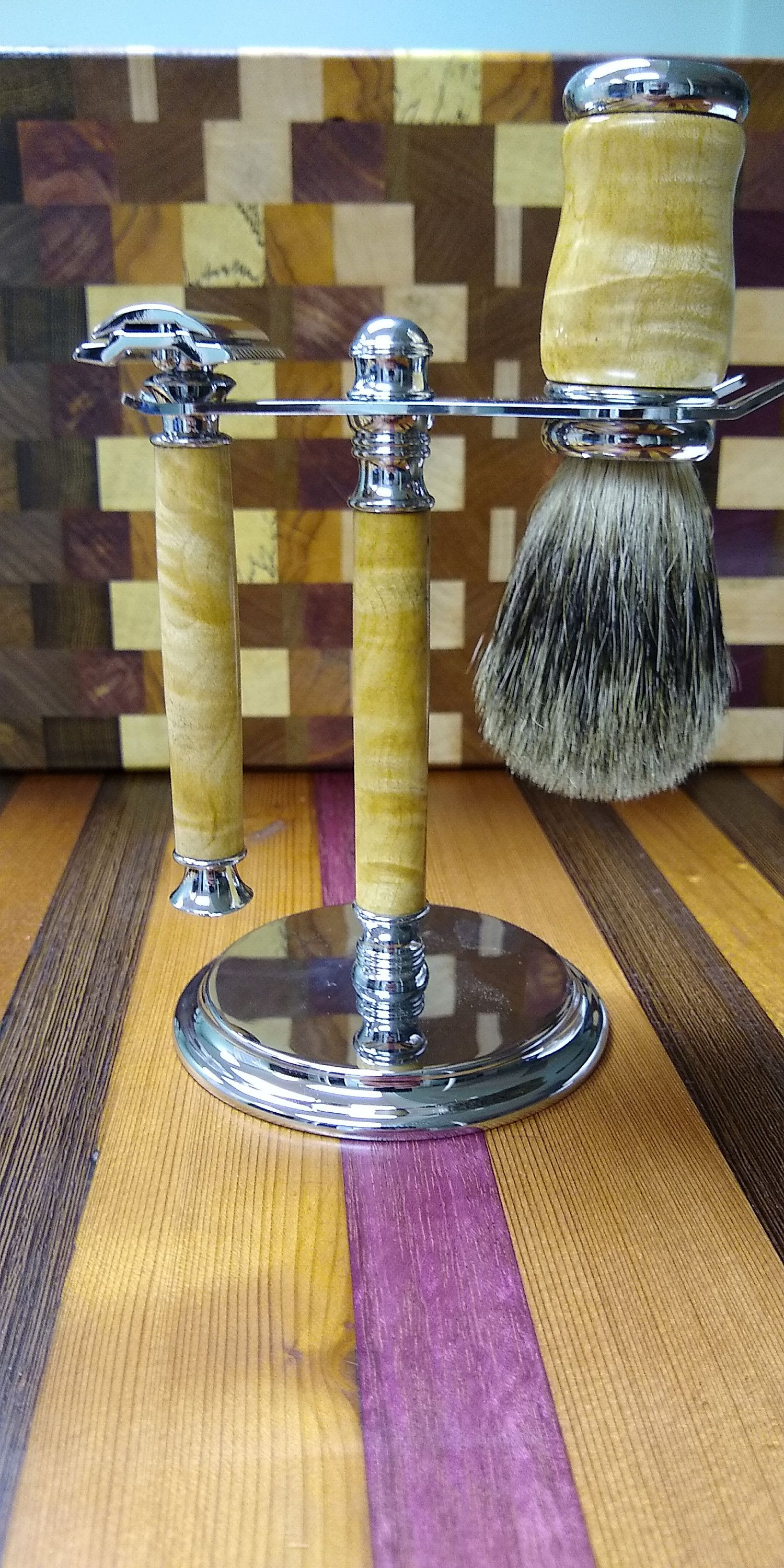 Double Edge Safety razor set with stand badger hair brush