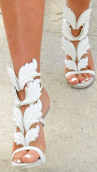 6e90fa4371c Giuseppe Zanotti Wing Sandals
