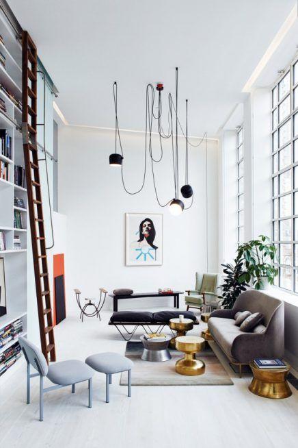 Mooie loft woonkamer ingericht met vintage meubels | Pinterest ...