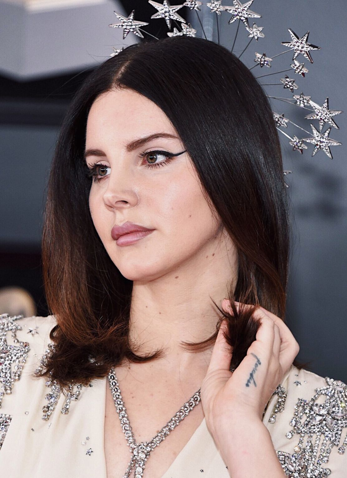 Lana Del Rey Makeup For The Grammys 2018 In 2019 Lana