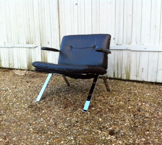 Euro Chair leather lounge chair design Hans Eichenberger