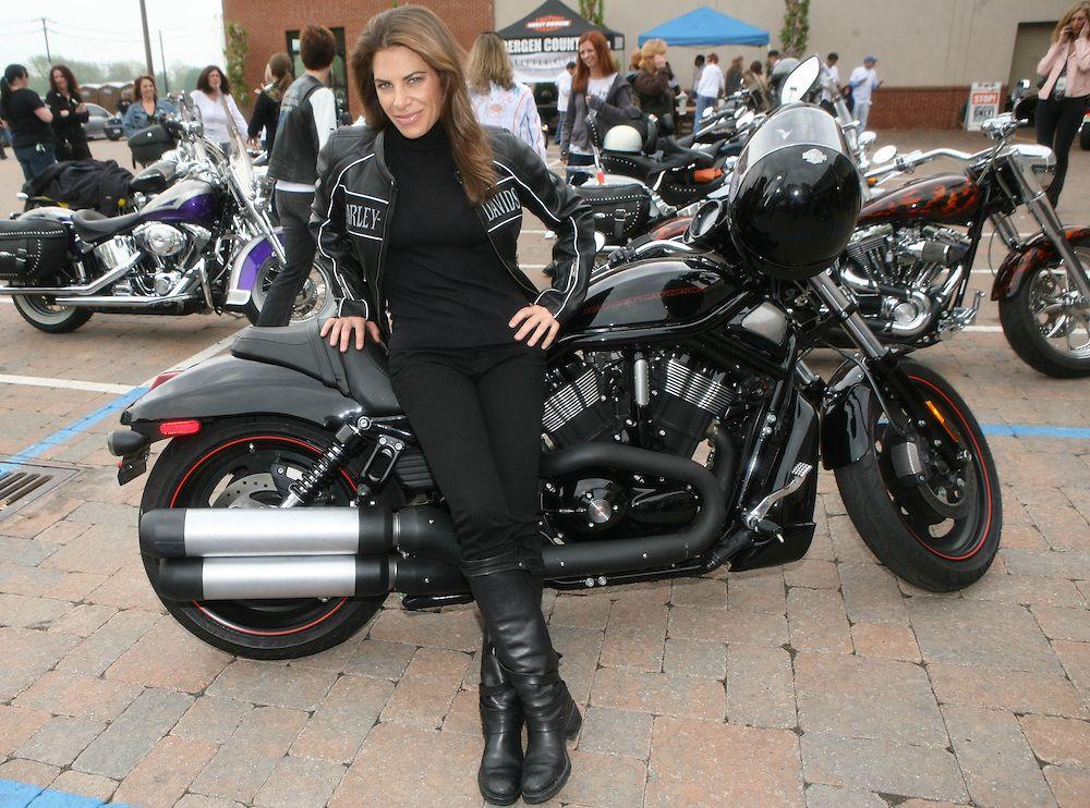 Five Female Celebrity Harley Riders Harley Women Motorcycle