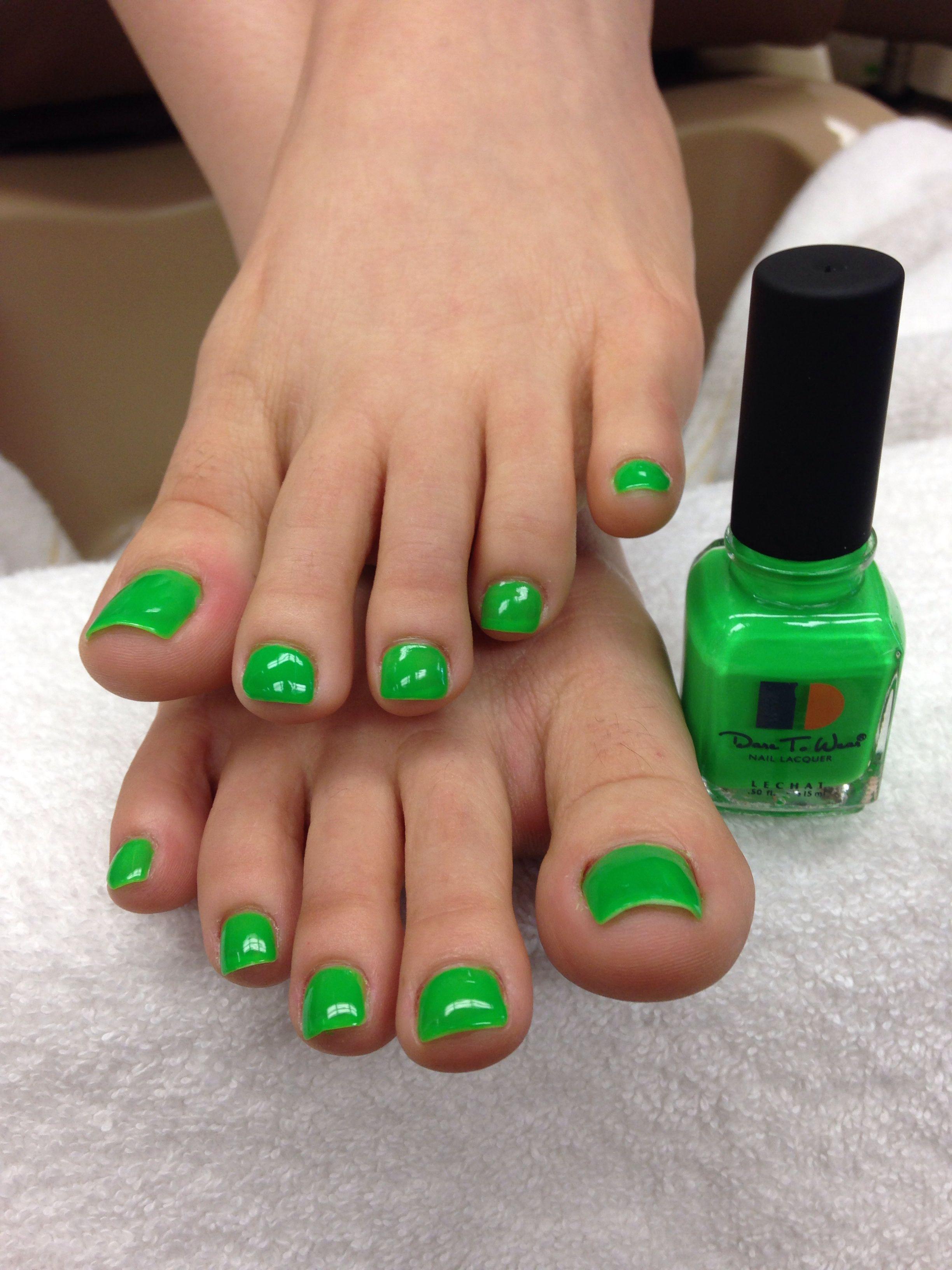Neon Green Pedicure Green Nails Neon Pedicure Pedicure Designs Toenails