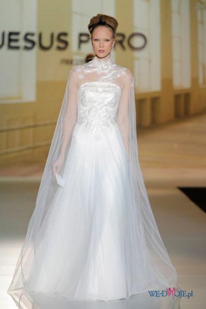 1b5b41fcf4 Biała suknia ślubna Jesus Peiro z tiulem  slub  wesele  wedding  sukienki