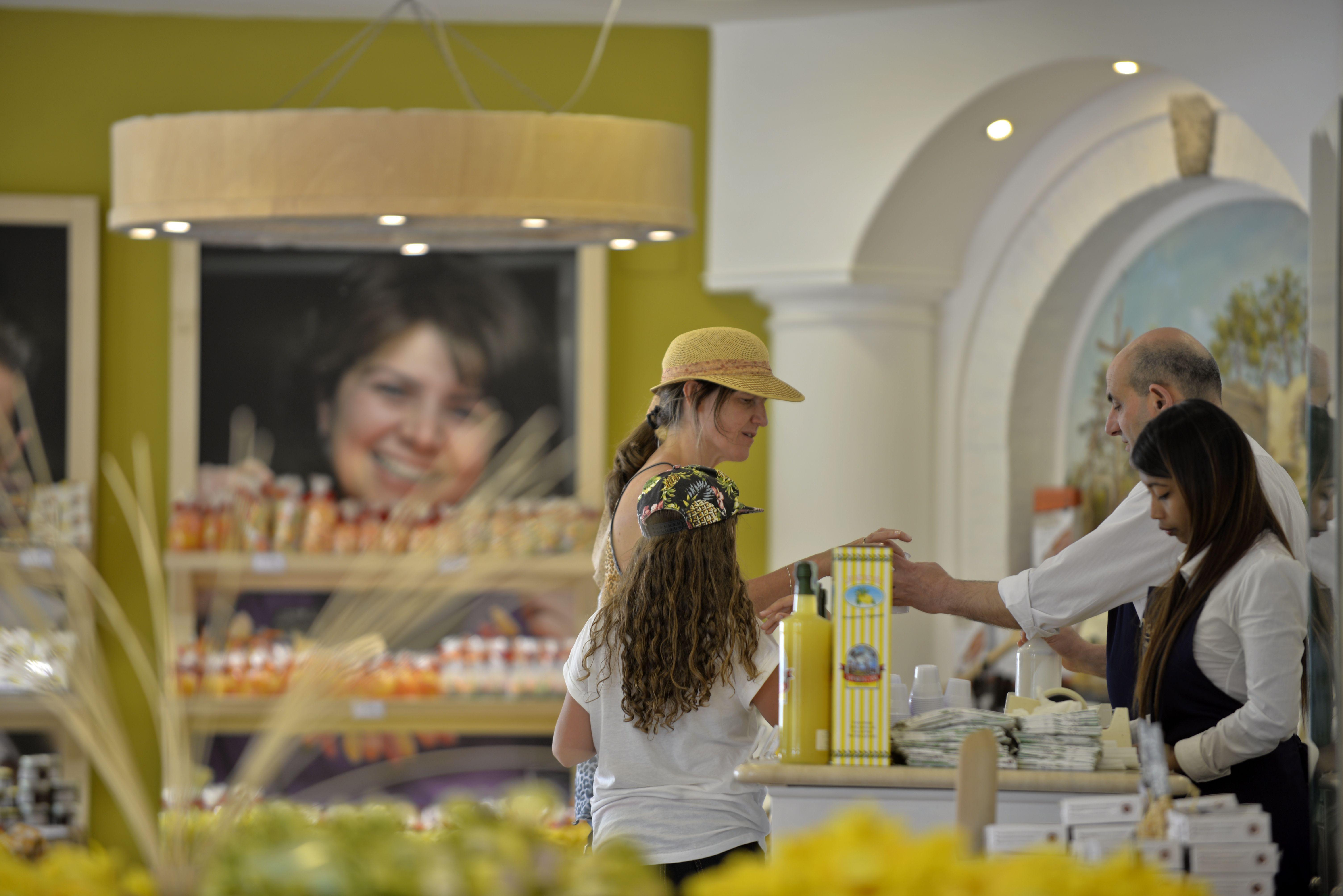 Our store in Anacapri (Capri island) - viale Axel Munthe, 16