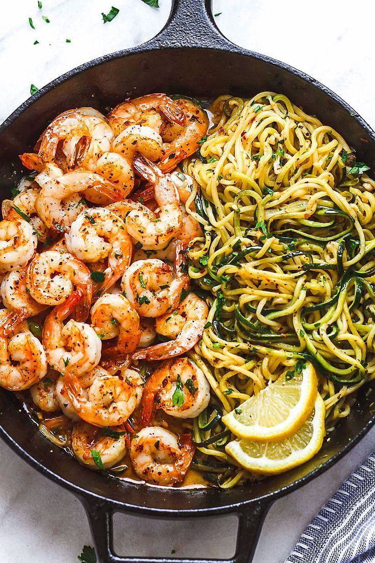 10-Minute Lemon Garlic Butter Shrimp with Zucchini Noodles #pescatarianrecipes
