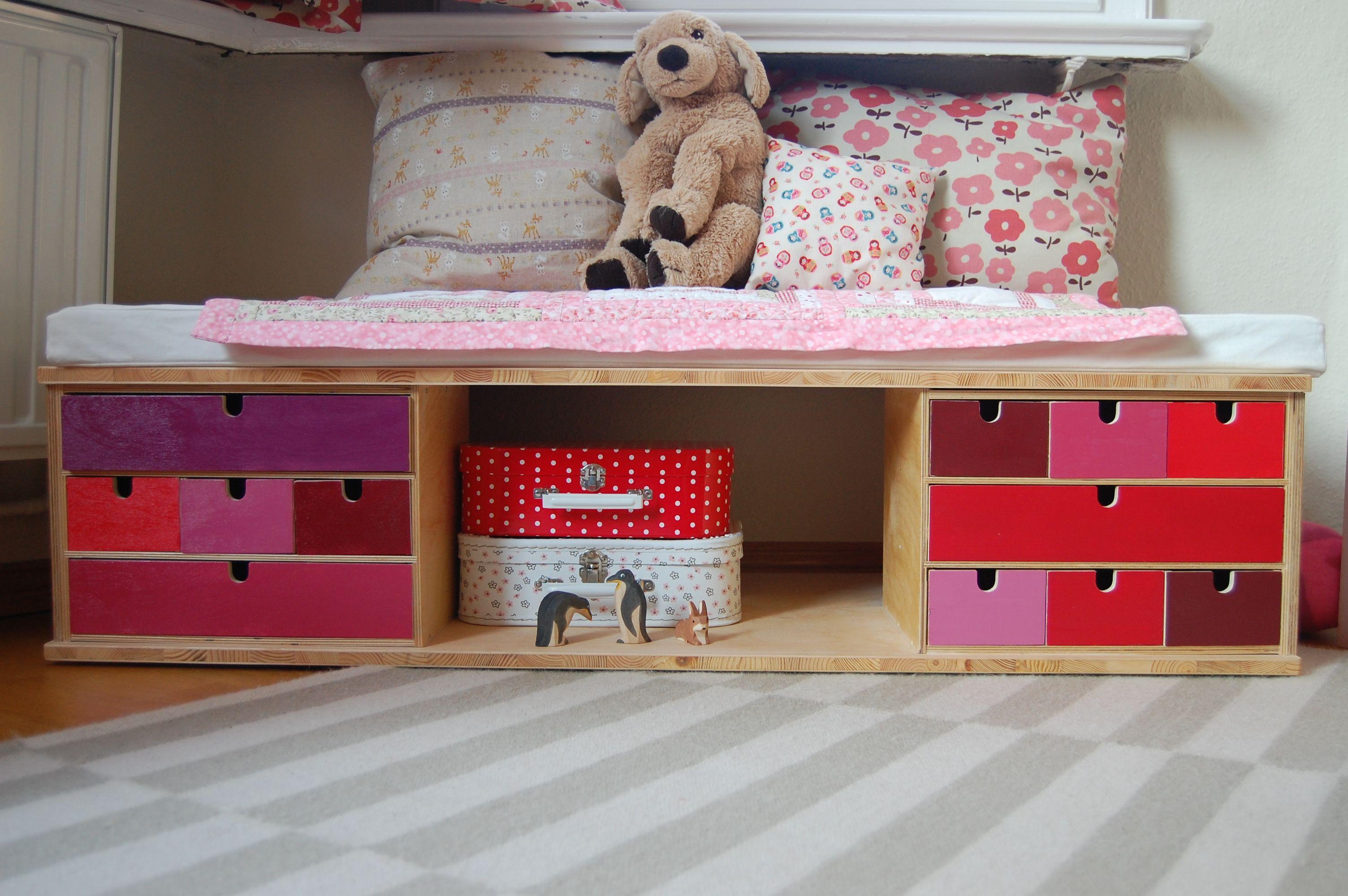 kindersitzbank mit stauraum bauanleitung zum selber bauen. Black Bedroom Furniture Sets. Home Design Ideas