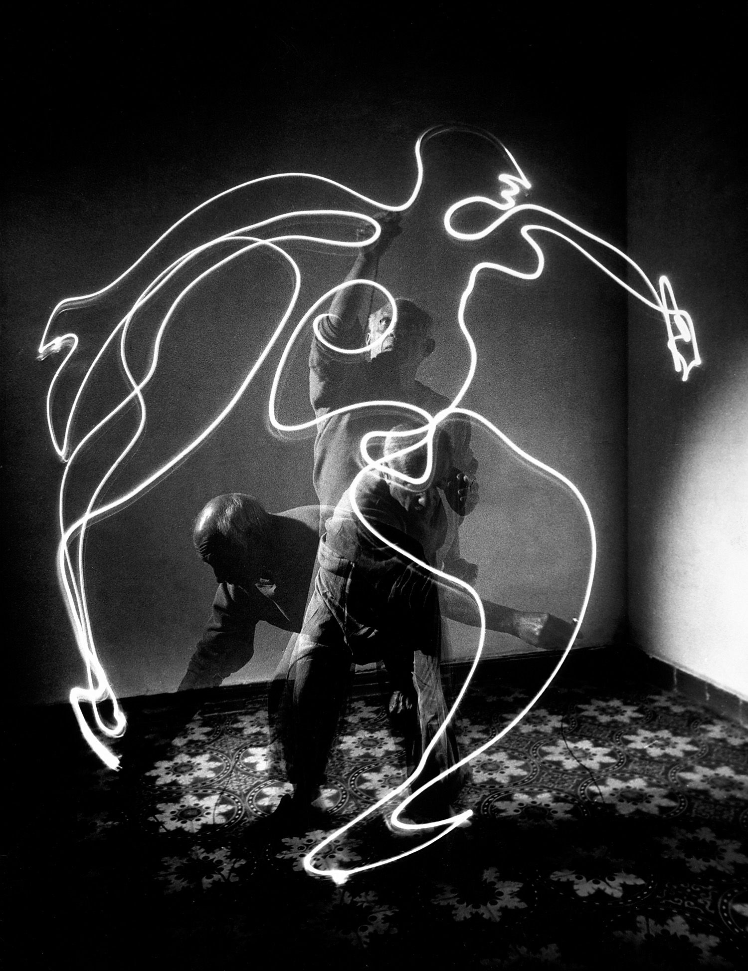 -Picasso light-drawing with a flashlight, 1949. Photograph by Gjon Mili/Time & Life Pictures/Getty.