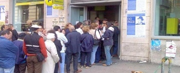 """Code per le pensioni a Salerno, la Cisl: """"Poste aperte di pomeriggio a dicembre"""""""