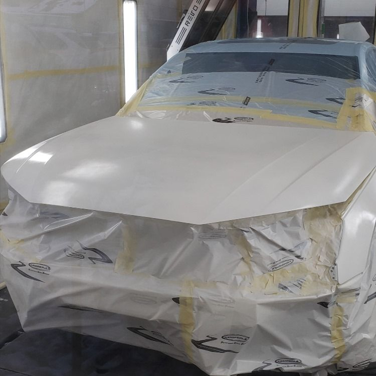 Late afternoon paint work on a Audi A4!
