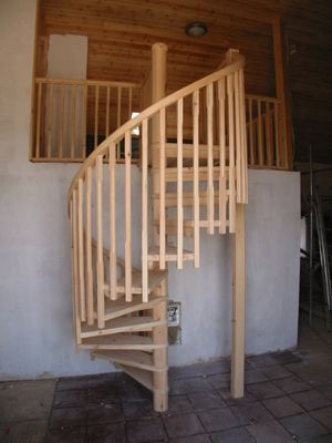 Simple spiral staircase