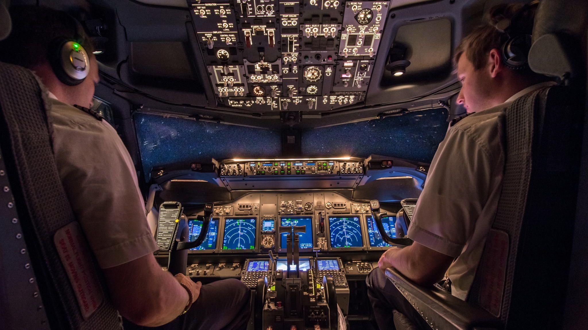Starry night at 36.000 feet by Martijn Kort on 500px