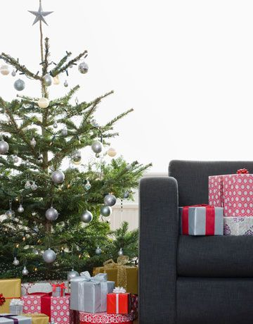 Weu0027ve Gathered Simple Tips To Help Make Your Christmas Tree Last Through  The Whole Cheerful Season.
