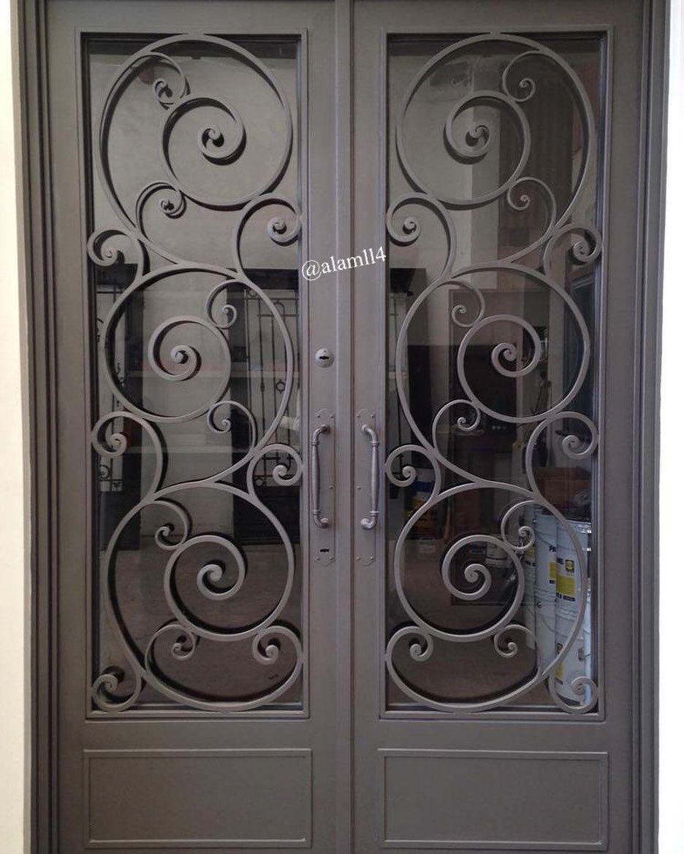 بناءا على الطلبات من متابعيني لصور ابواب داخليه وخارجية قص ليزر و خشب جمعت لكم بعض الصور وأن شاء الله تن Grill Door Design Metal Doors Design Iron Front Door