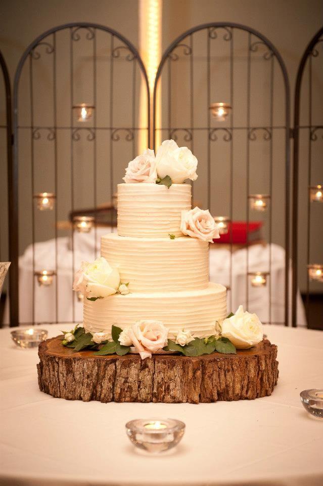 Rustic cake stand #theterraceclub #weddingvenue #rusticwedding ...