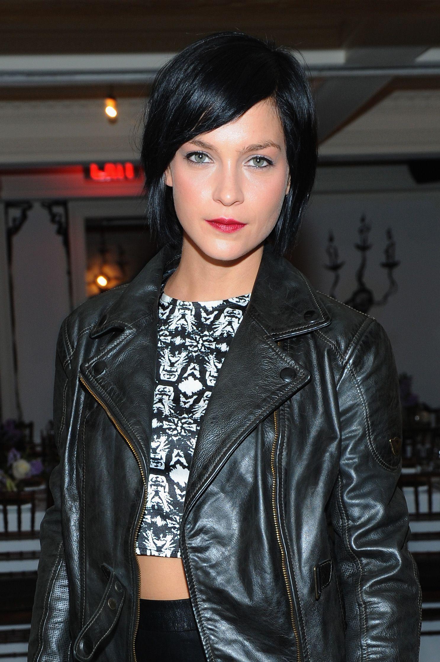 Leather jacket yahoo answers - Dj Leigh Lezark Wearing A Matchless Leather Jacket