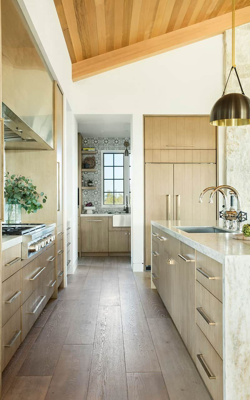 Breathtaking Santa Barbara Country Style Home In Santa Ynez Valley In 2020 Custom Homes Country Style Homes Kitchen