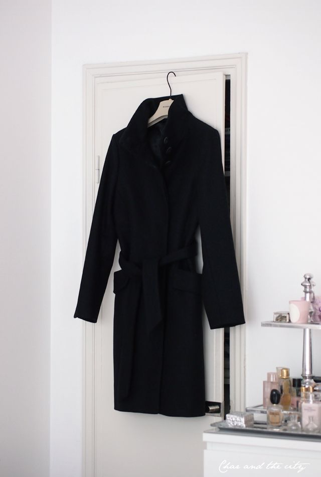 The perfect coat from Tiger of Sweden: http://divaaniblogit.fi/charandthecity/2013/11/12/jacalyn-coat-tiger-of-sweden/