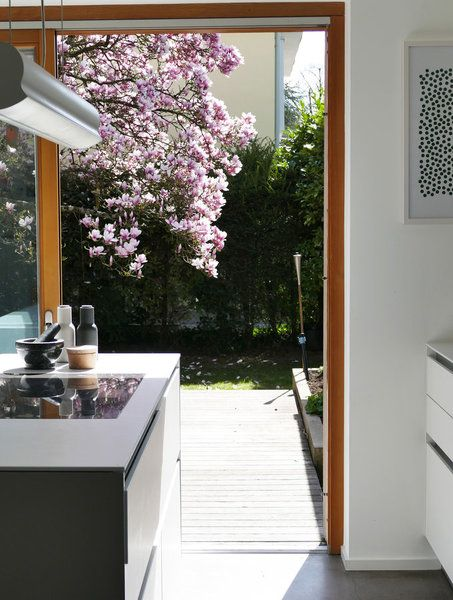 Sommervorgeschmack und Winterwiederkehr: der April auf SoLebIch.de | Foto von Mitglied Lumikello #SoLebIch #küche #kitchen #bulthaup #spring #frühling