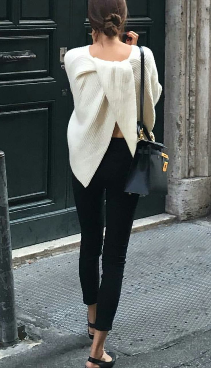 street style find more at tenue mode minimaliste et fashion mode. Black Bedroom Furniture Sets. Home Design Ideas
