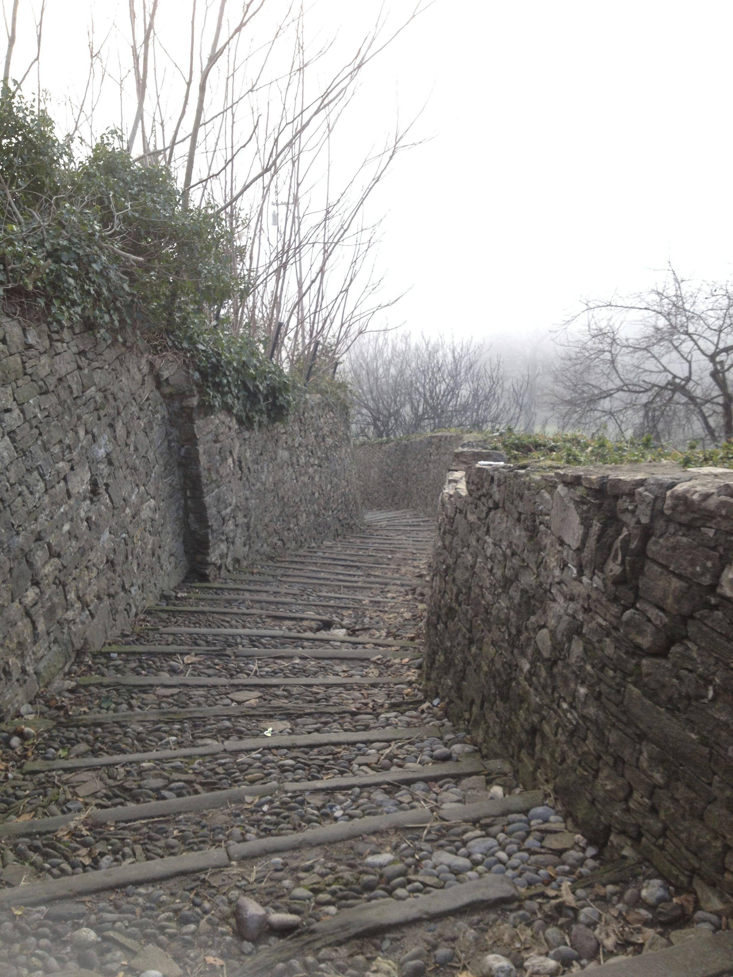 Mitica scaletta ,sempre un po poetica, Bergamo e' intrisa di storia e poesia