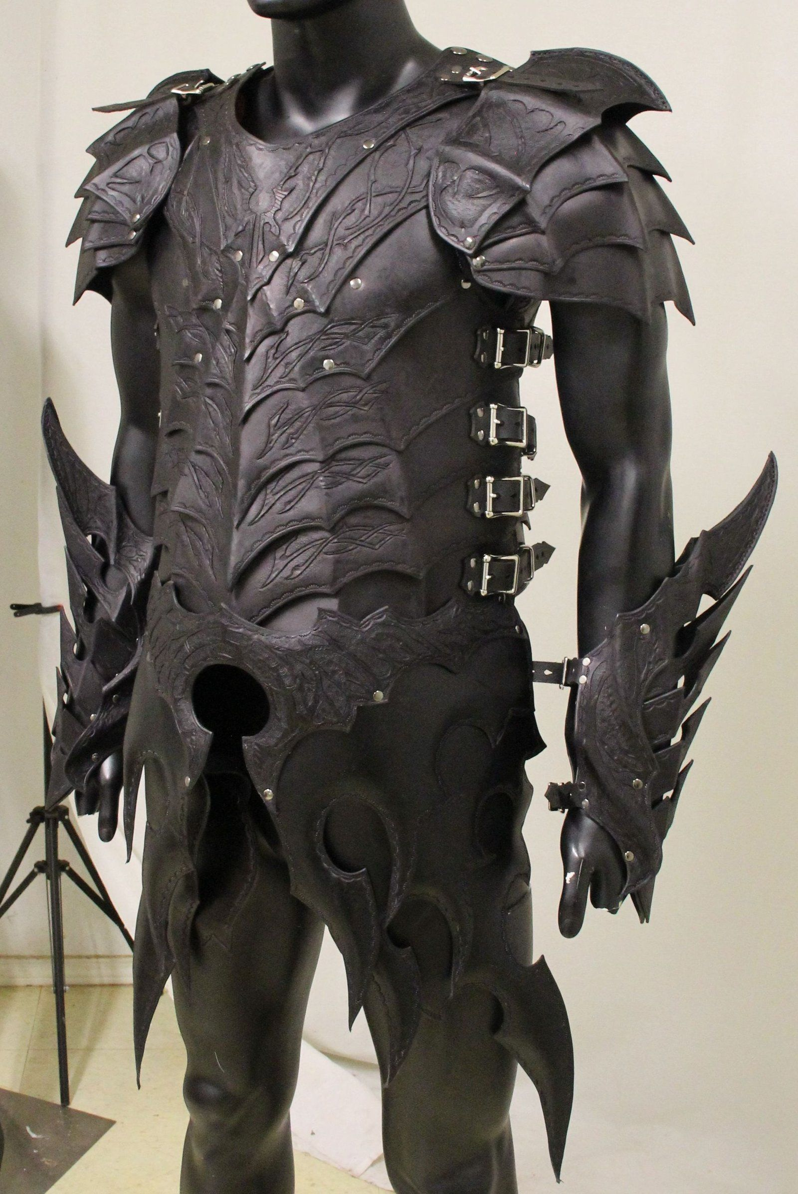 Souvent Drow Armor Preview by =Azmal on deviantART | Cosplay Etc  VR28