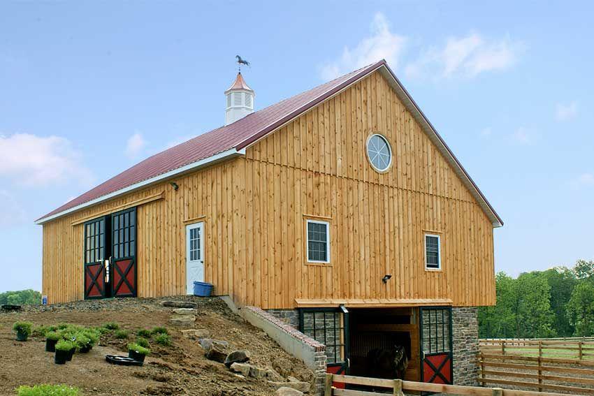 A Bank Barn Showing Both Levels Barn Renovation Bank Barn Barn Builders