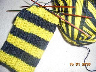 Bvb Socken Im Rippenmuster Stricken Pinterest Stricken Socken