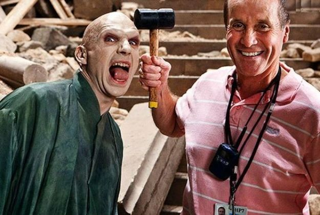 45 Behind The Scenes Photos That You Ve Probably Never Seen Before Harry Potter Funny Harry Potter Cast Harry Potter Movies