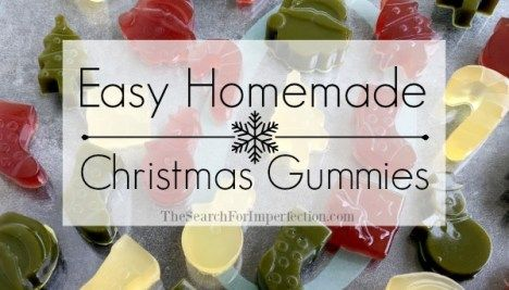 Easy Healthy Homemade Fruit Snacks | Cute Christmas Shapes