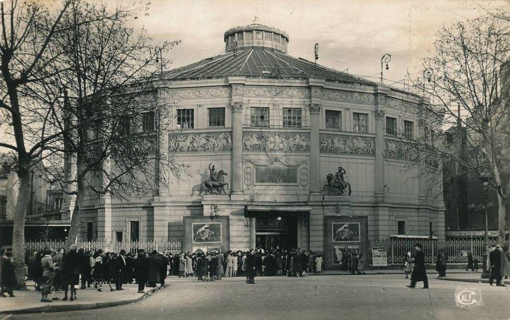 Le Cirque d'Hiver, 110 rue Amelot, Paris 11ème, circa 1930.