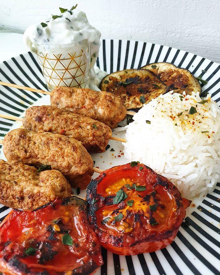Middag 》Heta kycklingspett ︎ ︎ kycklingfärs (blivit