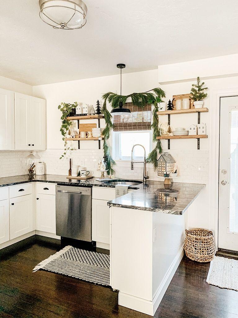 5 christmas kitchen decor ideas modern farmhouse kitchens farmhouse kitchen decor kitchen style on farmhouse kitchen xmas id=15399