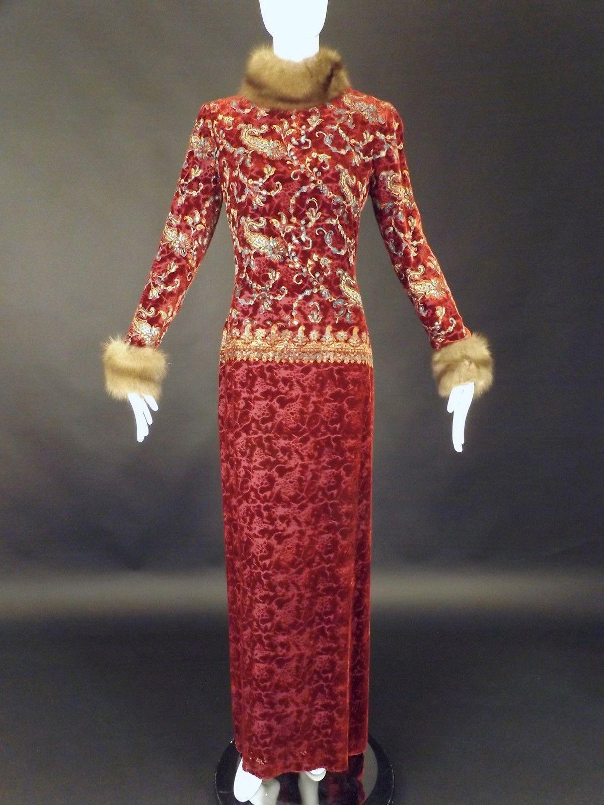 OSCAR DE LA RENTA-1990s Velvet & Sable Evening Gown, Size-8