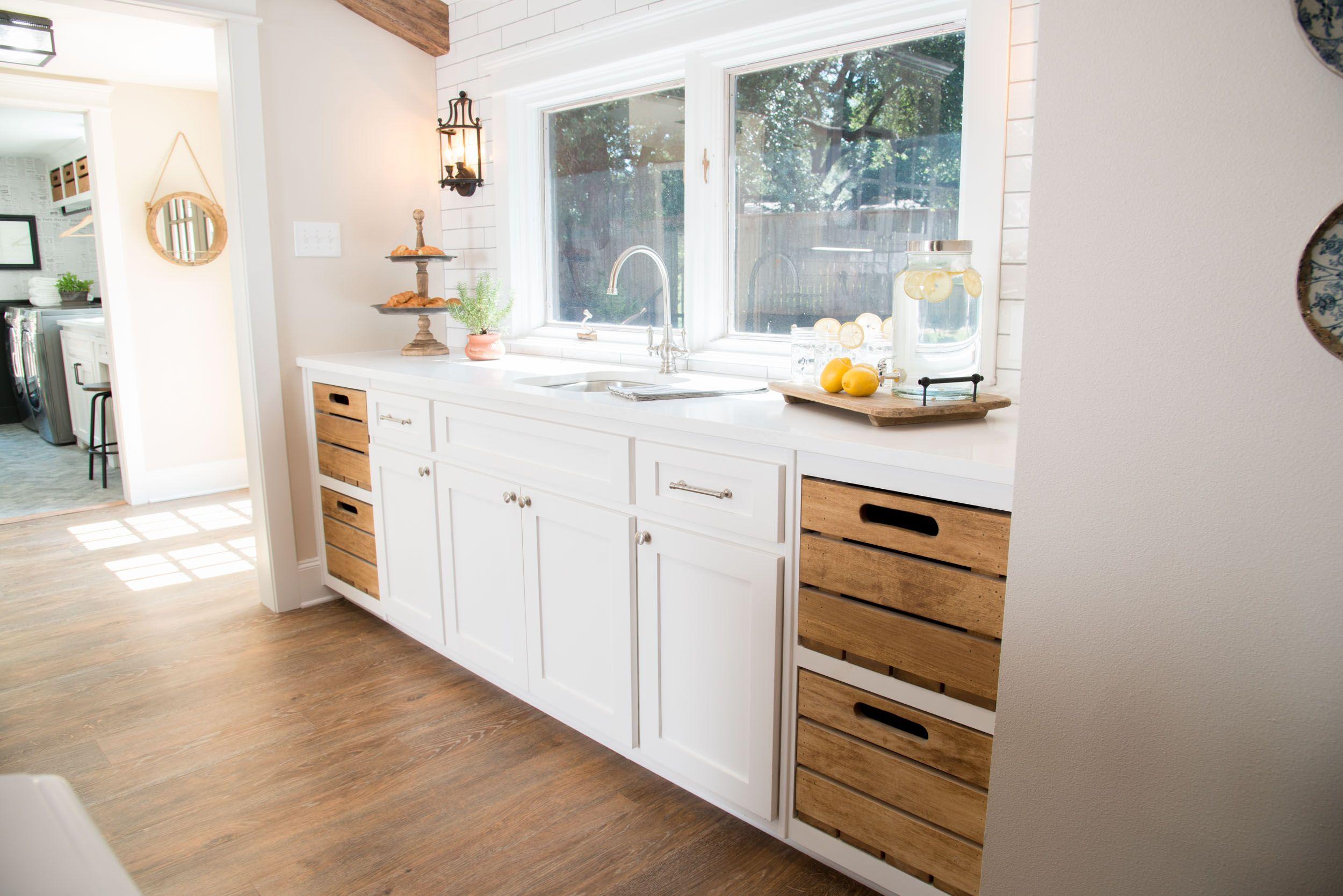 Fixer upper kitchens season 4 - The Cargo Ship House Season 4 Fixer Upper Magnolia Market Kitchen