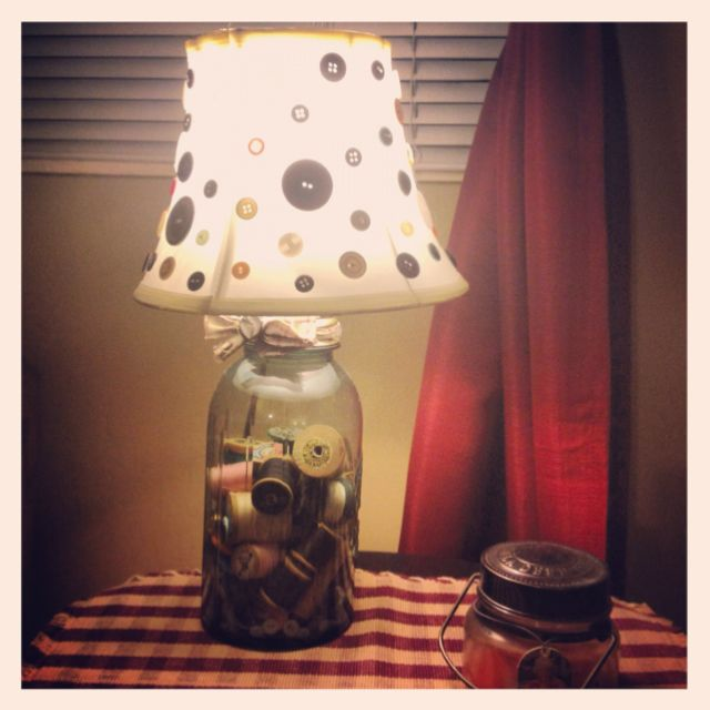Mason Jar Lamp With Buttons On Lamp Shade And Thread And Buttons Inside The Mason Jar Mason Jar Lamp Lamp Jar Crafts