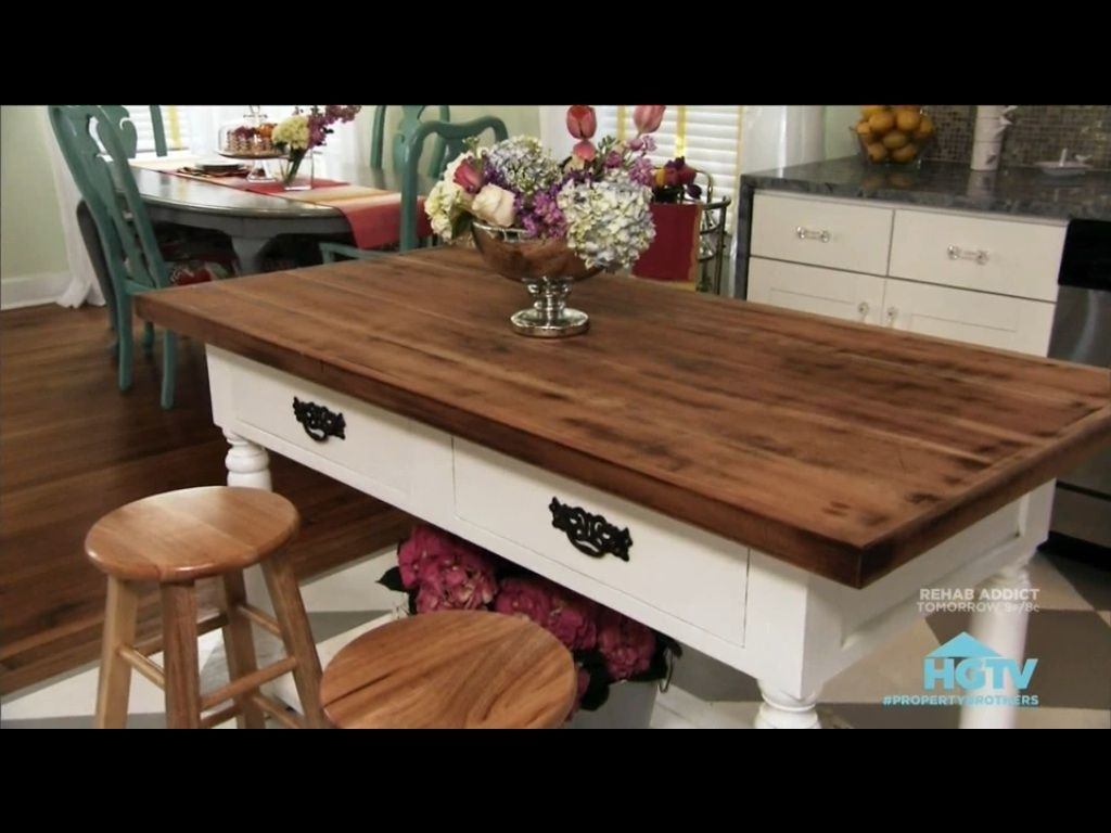 Property Brothers Hgtv Love This House Renovation Mobilier De Salon