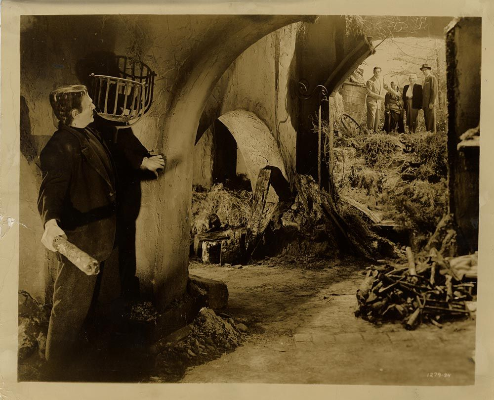 Walterfilm Museum Photographs and Stills - FRANKENSTEIN MEETS THE WOLFMAN (1943) -