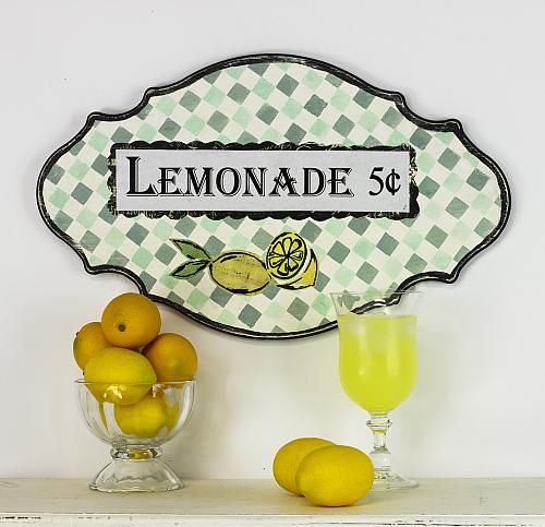 Old-Fashioned Stenciled Lemonade Sign -- Celebrate summer with this old-fashioned lemonade sign.  #decoartprojects #stencils