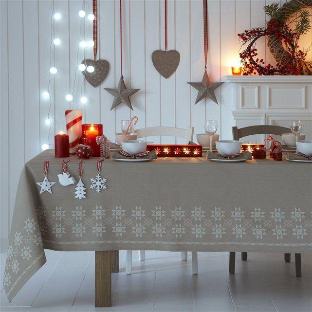 Ambiance joyeuse et festive avec ce lot de 4 décorations de Noël