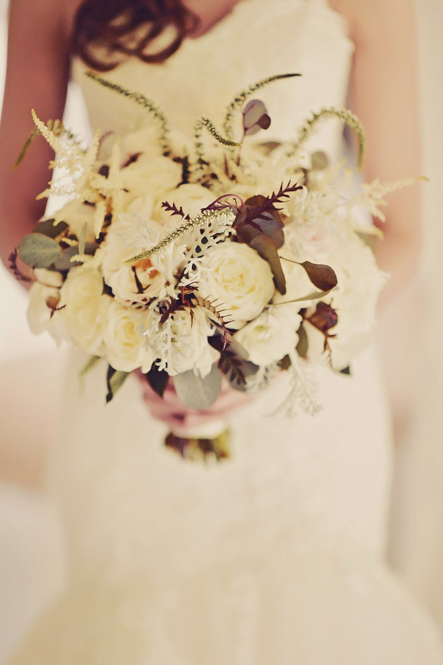 Photography: Tamiz Photography - www.tamizphotography.com/  Read More: http://www.stylemepretty.com/destination-weddings/2015/04/08/elegant-maui-destination-wedding/