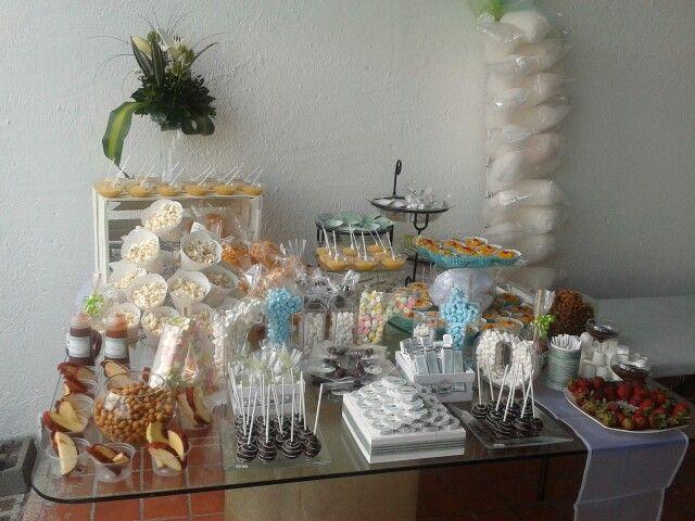 mesa de postres y snacks bautizo mesas de postres