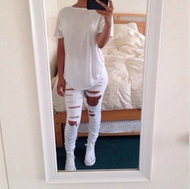 Jeans | White tops, tumblr Outfits and Jeans shoes