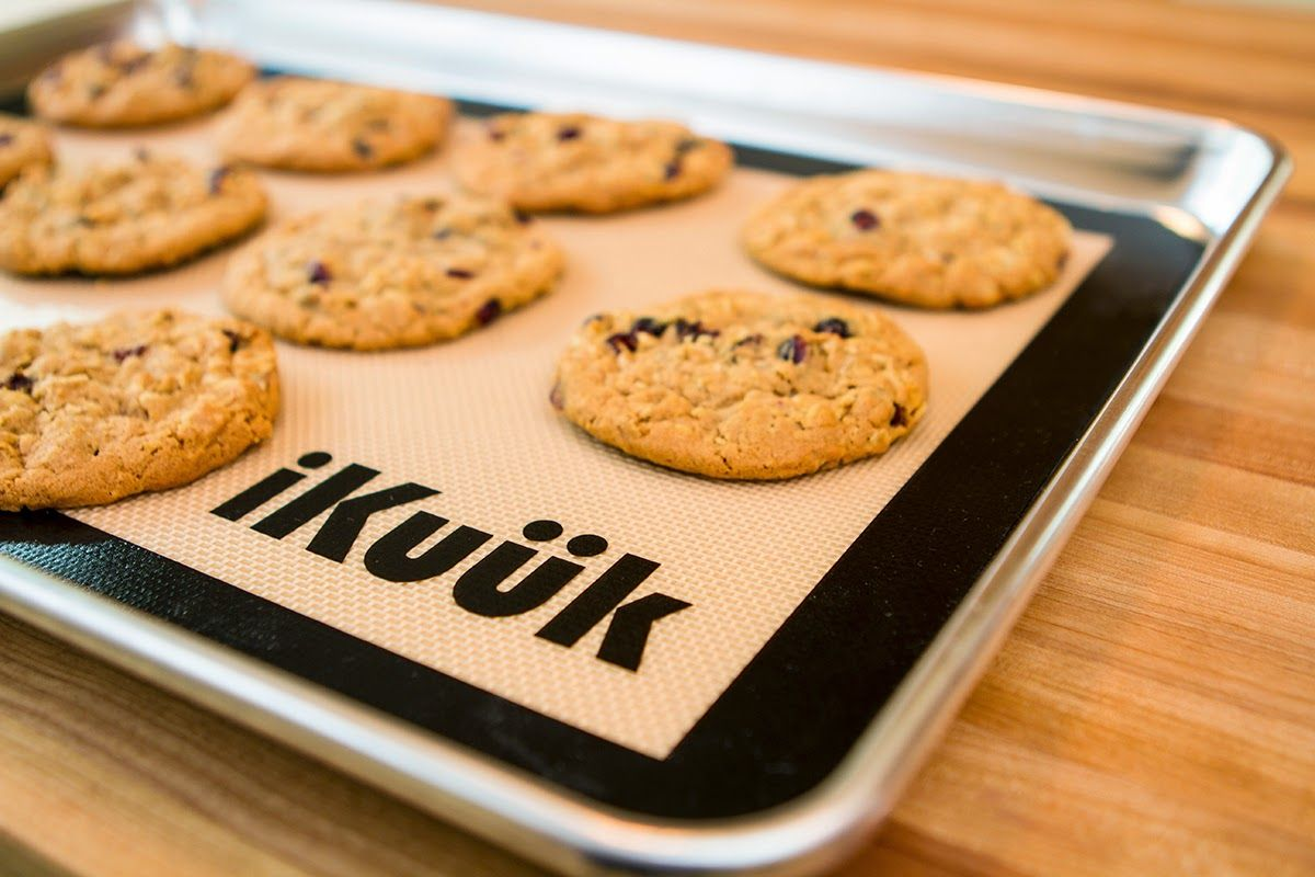 Colie's Kitchen: IKuuk silicone baking mat like Silpat Review + Giveaway (24 Hour Giveaway!!)