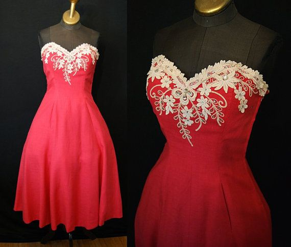 Killer 1950s coral linen strapless summer party dress with rhinestones and lace trim!    This dress is a real vintage stunner! Gorgeous coral color